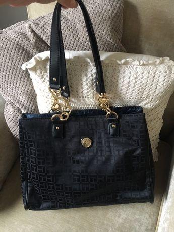 Tommy Hilfiger nowa torebka czarna złote łańcuchy kuferek shopper bag