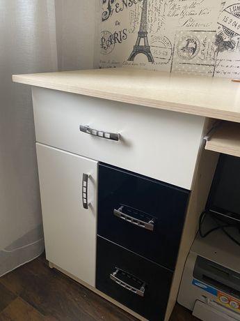Письменный стол+кресло+шкаф