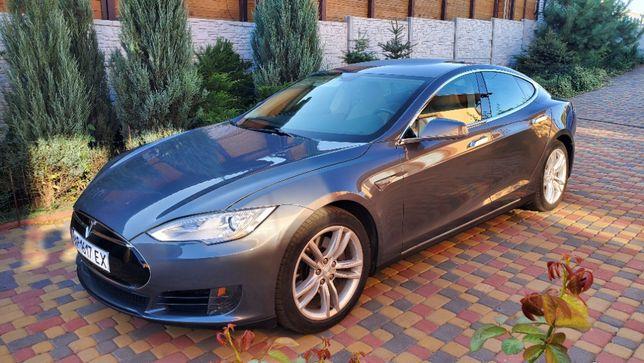 Продам Tesla 85S
