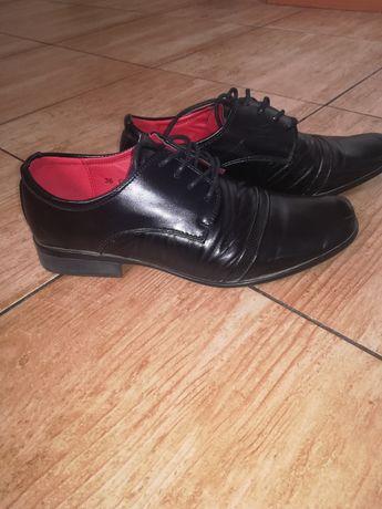 Czarne buty rozmiar 36