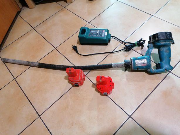 Sprawny wibrator do betonu POGRĄŻALNY BUŁAWOWY MAKITA VR250D