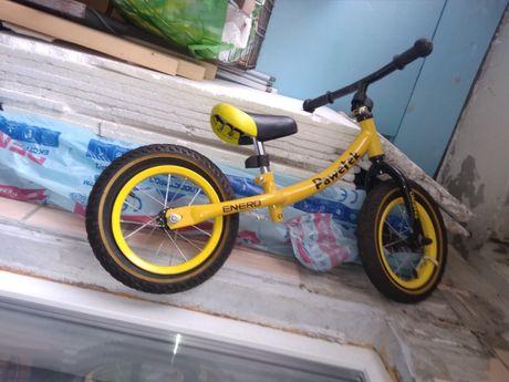 ВелобігБіговелВелосипед