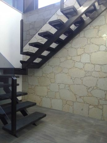 Serviços em pedra e renovações interiores e exteriores de moradias