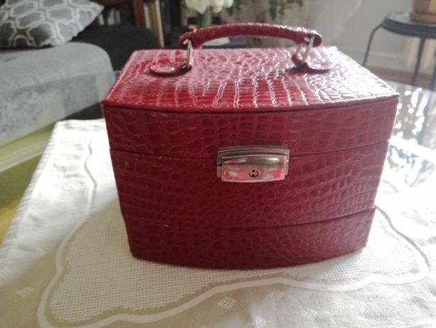Szkatułka kuferek na biżuterię