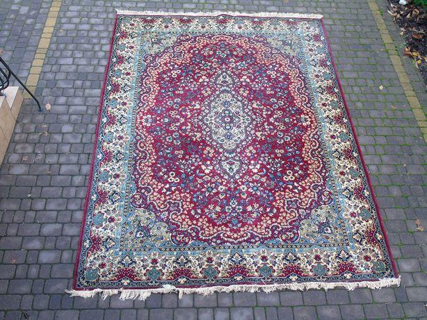 Ładny wełniany dywan 250 x 350