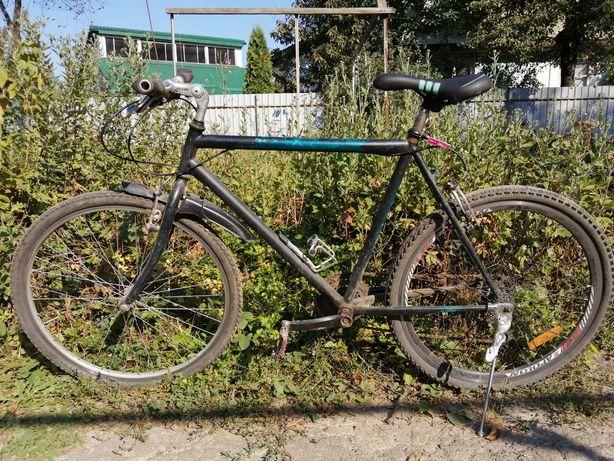 Продам велосипед шоссейная рама 21 ,колеса 26