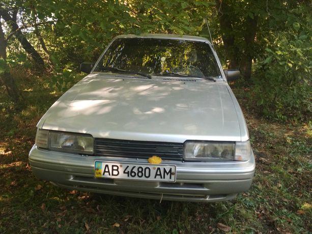 Автомобіль Mazda 626