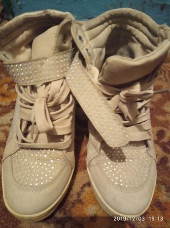 Обувь женская сникерсы