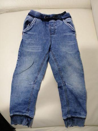 Spodnie jeans ściągacz 104
