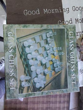 Tabuleiro de xadrez em vidro novo.20x20cm Novo 18 euros