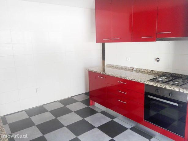Apartamento T3+1 em Coimbra (Casa Branca)