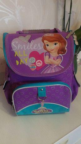"""Продам рюкзак """"1 Вересня"""" в дуже гарному стані !!!"""