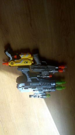 Pistolety na baterie i strzałki