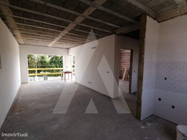 Apartamento T2 Novo em Aradas!