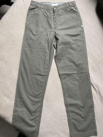 Spodnie dla chłopca na 146 cm na lato.