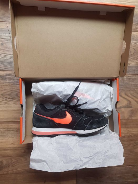Nike MD Runner 40,5 Skoczów - image 1