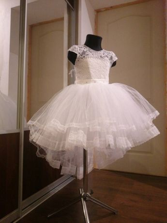 Нарядное детское платье пышное белое выпускное на девочку вечернее