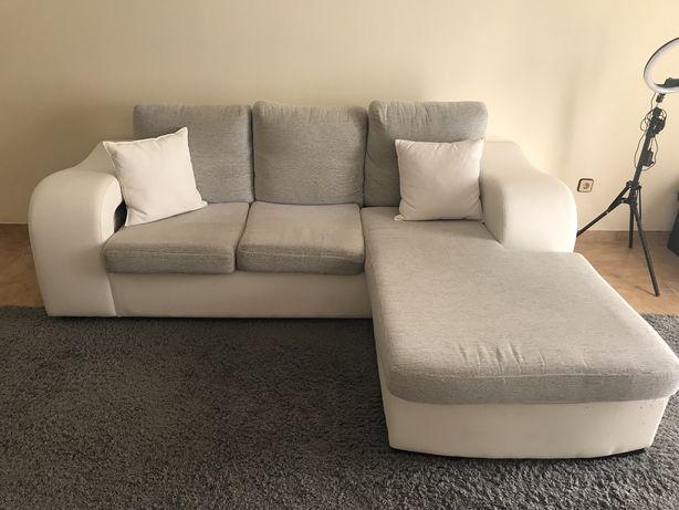 Sofa branco e cinza