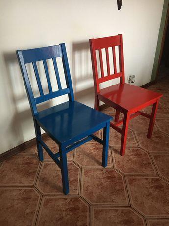 Dwa Krzesła sosnowe np.do kuchni