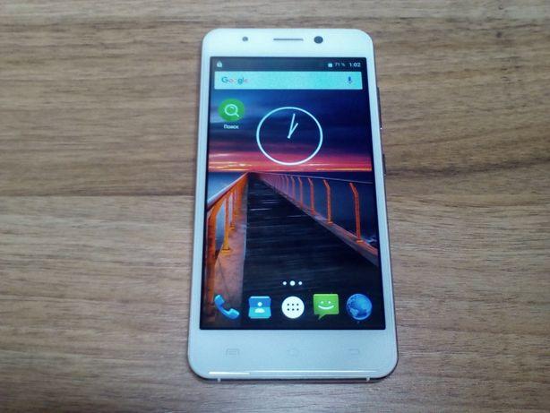 Смартфон S-TELL M575