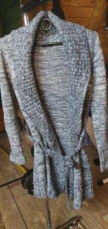Sweterek przedłużany