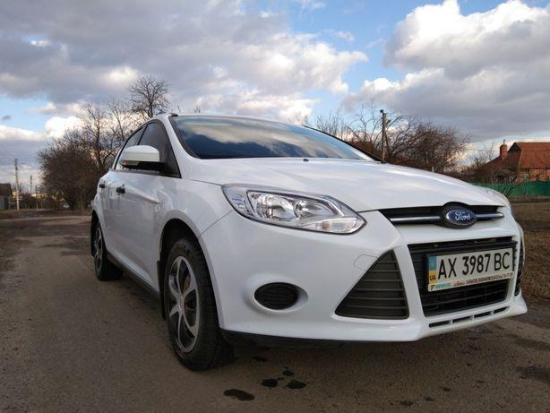 Форд фокус 3.    газ (евро 4) .Куплена в автосалоне . Не битая.