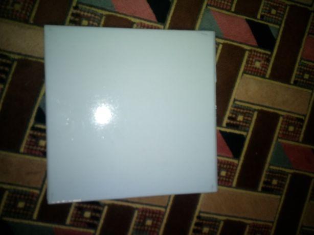 Продам советскую стекляную плитку нежно-голубого цвета размер 15×15 см