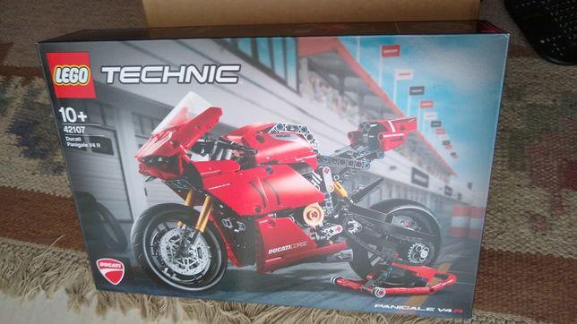 Lego 42107 Technic Ducati Panigale V4 R - Novo e Selado