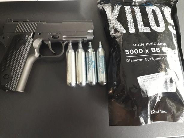 Pistola+botijas co2 + bolas