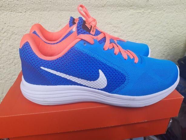 кросівки кросовки Nike Revolution 3