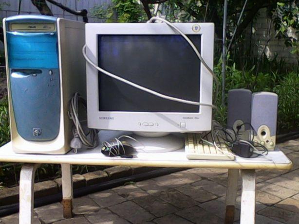 """Компьютер , колонки ,клавиатура , """"мышь"""" - все рабочее !"""