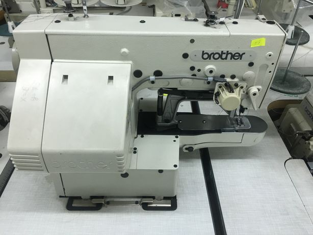 Закрепочная швейная машина компюторная Brother