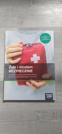 """Podręcznik """"Żyje i działam bezpiecznie"""""""