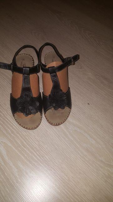 Sandały 38