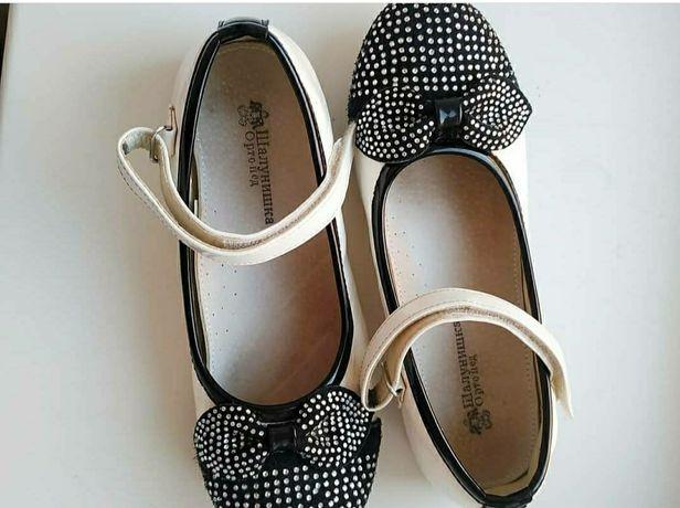 Туфлі для дівчинки    Туфли для девочки
