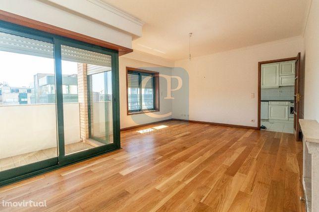 Apartamento T2 para arrendamento Pinheiro Manso - Porto