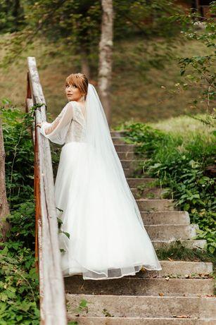 Оригінальне Весільне плаття в дуже хорошому стані