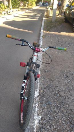 Срочно велосипед mongoose fierboll ss 2016 года mtb dirt mtb street dh