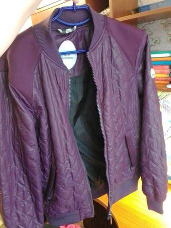 Продам демисезонную куртку,ветровку,бомпер