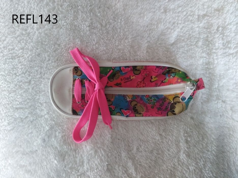 Porta-lápis sapatilha REFL143