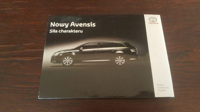 TOYOTA Avensis III - katalog CD oraz zdjęcia