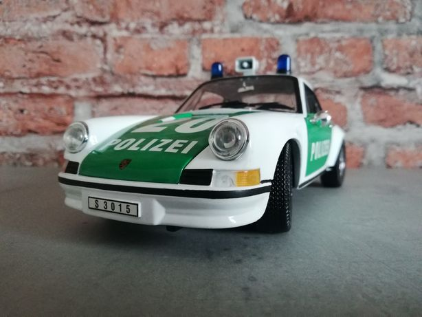 Model Porsche 911 Polizei 1:18