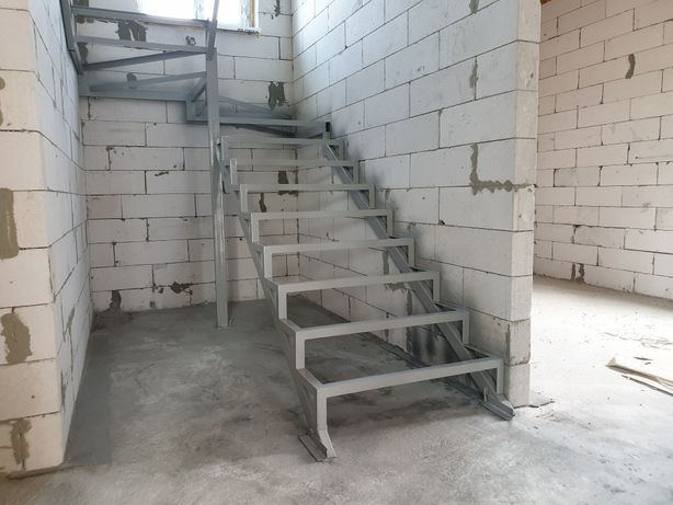 Металлическая лестница, изготовление и монтаж