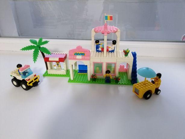 Конструктор Лего городок.