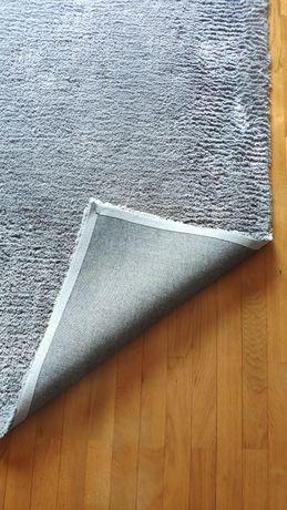 Tapete liso cinza. Dimensões 160*230.