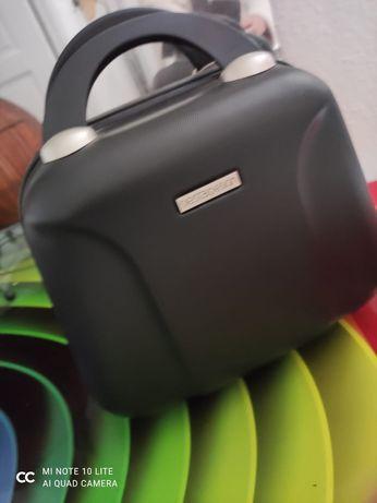 Kuferek - walizka - torba podróżna
