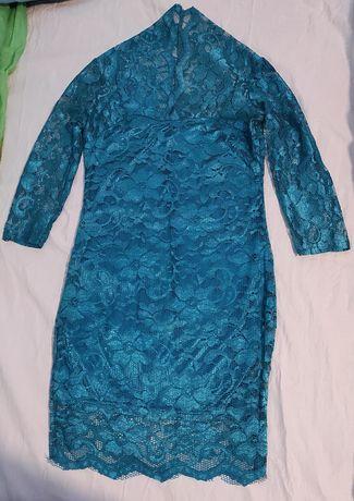 Нарядное кружевное платье новое пог 39 см