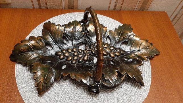 Кованная металическая фруктовница
