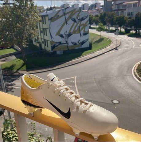 Chuteiras Nike Mercurial vapor III