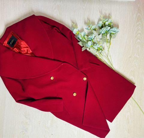 Кросное шерстяное пальто